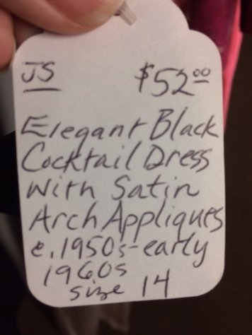 black dress tag